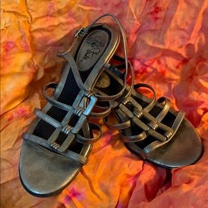 Life Stride Josette Pewter Strappy Sandals